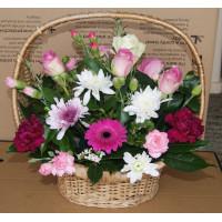 Flower Arrangement Roses & Chrysanthemum
